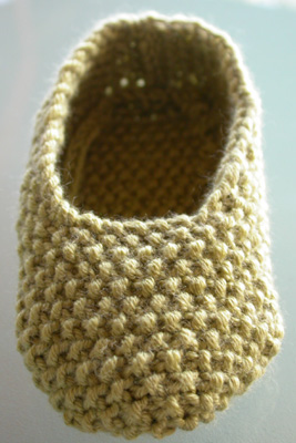 Debbie Bliss Moss Stitch Shoe - Toe first